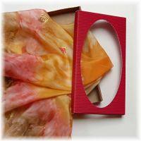 Dárková krabička pro šátky, šály  s průhledným víkem - Červená