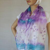 Hedvábná malovaná šála - Šepot šeříků 2 Batitex - modní trička, mikiny, šátky, šály, kravaty