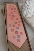 Hedvábná kravata - Po stopě Batitex - modní trička, mikiny, šátky, šály, kravaty