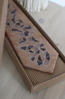 Hedvábná malovaná kravata - Kořen Batitex - modní trička, mikiny, šátky, šály, kravaty