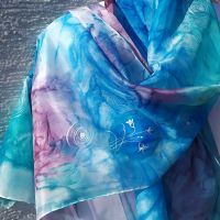 Hedvábná malovaná šála - Hnízdečka jara 2 Batitex - malovaná, batikovaná trička, mikiny, hedvábné šátky, šály, kravaty