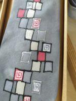 Hedvábná malovaná kravata - Chaos velkoměsta Batitex - modní trička, mikiny, šátky, šály, kravaty