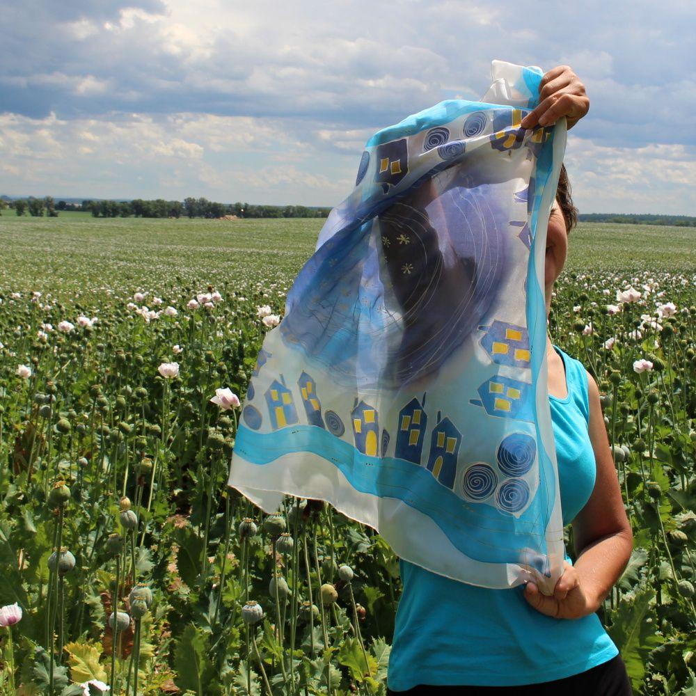 Hedvábný šátek - Město ožilo 2 Batitex - malovaná, batikovaná trička, šaty, mikiny, šátky, šály, kravaty