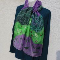 Hedvábná malovaná šála - Na planetě Louka 2 Batitex - malovaná, batikovaná trička, šaty, mikiny, šátky, šály, kravaty