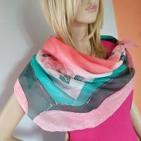 Hedvábný malovaný šátek - Nespoutaná 2