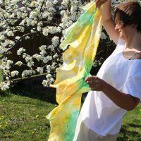 Hedvábná malovaná šála - Pampeliškový průvod Batitex - malovaná, batikovaná trička, mikiny, hedvábné šátky, šály, kravaty