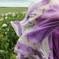 Hedvábný malovaný šátek - Polibek jmelí Batitex - modní trička, mikiny, šátky, šály, kravaty